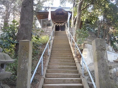 前玉神社正面