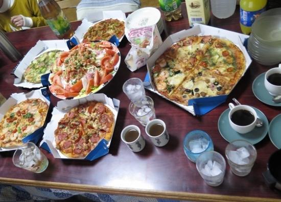 ピザを食べる会