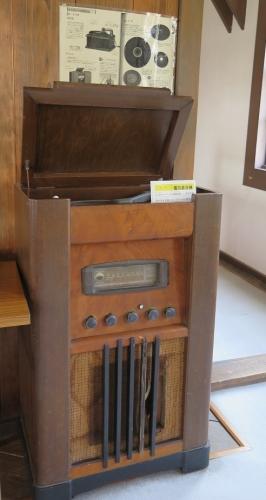 磐田旧見付学校 電気蓄音機