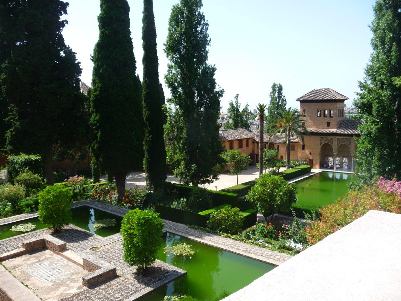 Alhambra-Garden-Photo.jpg