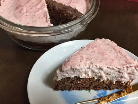 イチゴムースケーキ