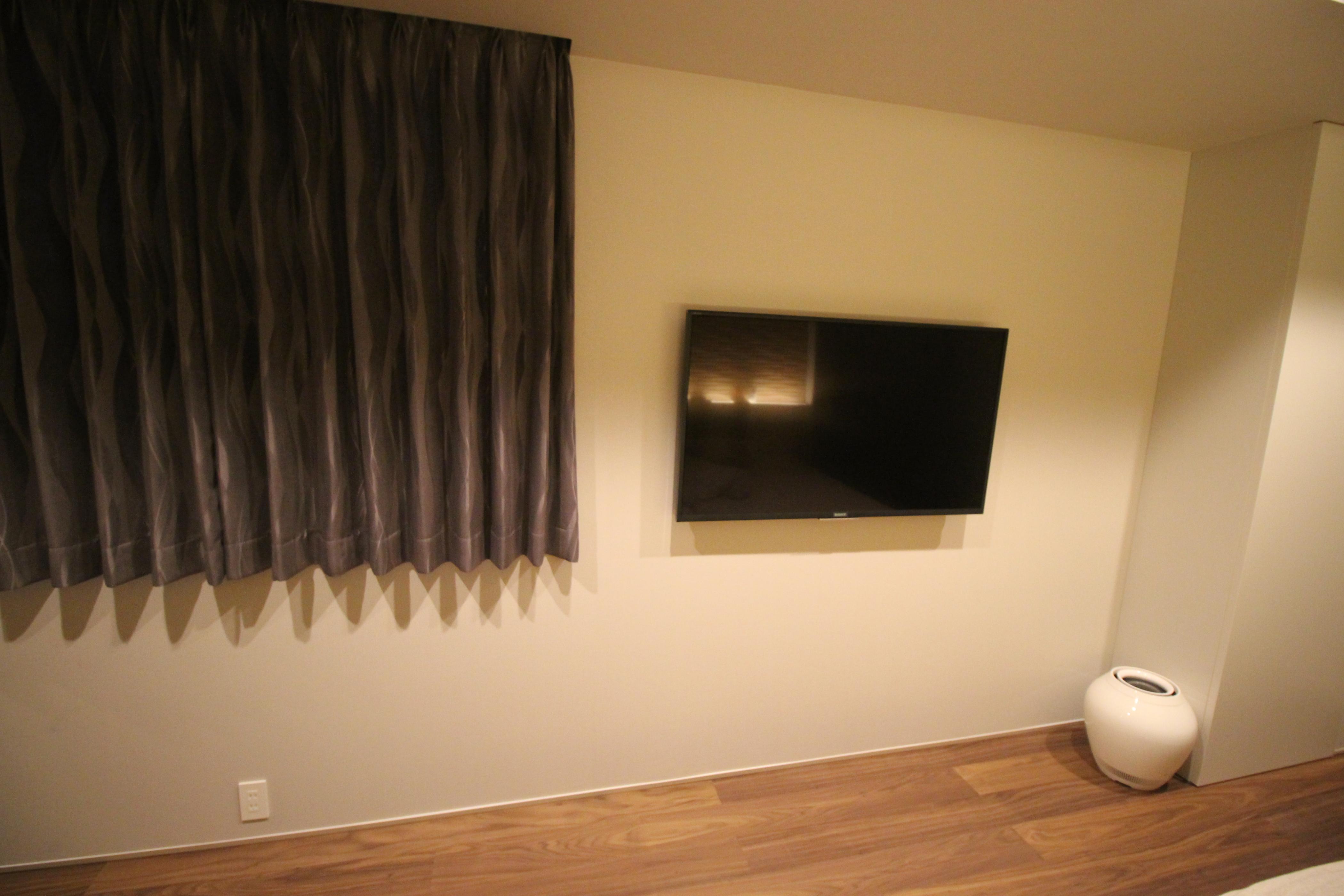 寝室テレビ