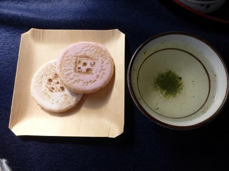 昆布茶とお菓子