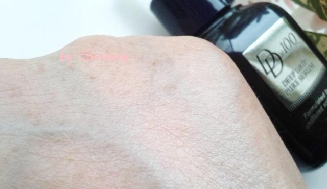 ディープドリップピュアセラム 塗った手