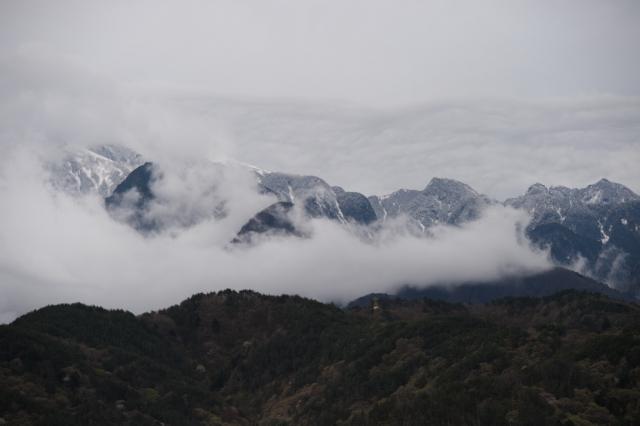 鋸岳の威容
