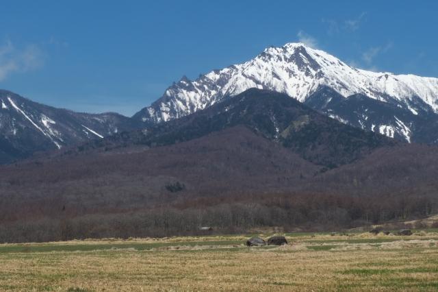 残雪残る八ヶ岳連峰-01