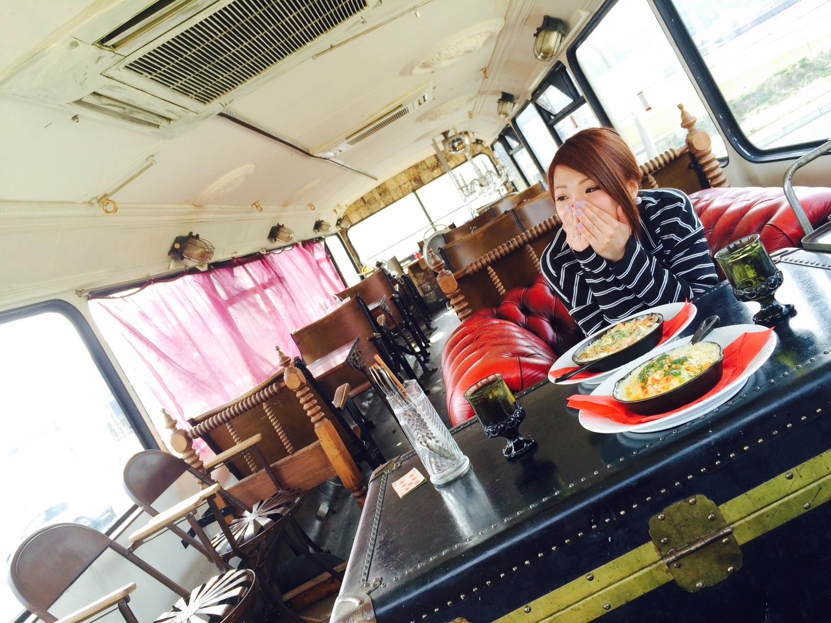 赤いバスのカフェ モンタギュー19