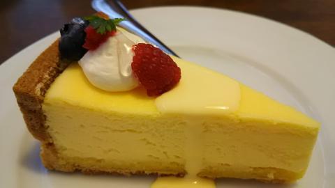 モニカ半熟チーズケーキ (1)