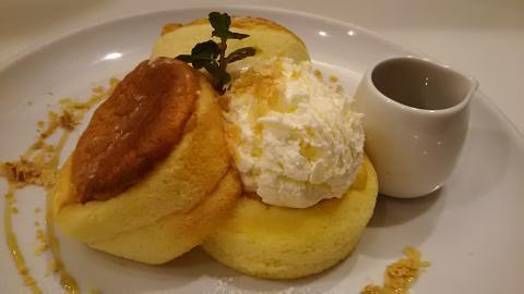 バタースフレパンケーキ (2)