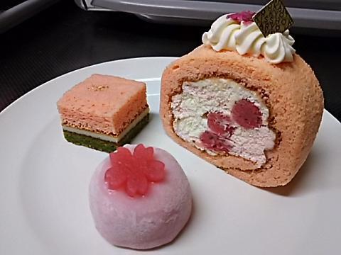 吉祥菓寮桜ロール (5)