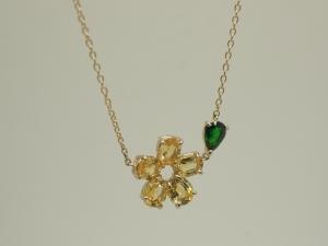 お花のネックレス黄色2
