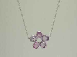 お花のネックレスピンク1