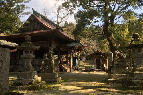 290328 鮭神社3