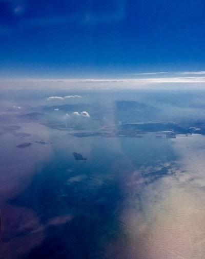 福岡空港上空