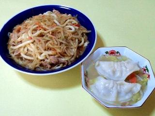 170221_4465 モヤシと豚肉の焼きうどん・ちゃんぽん風味のスープ餃子VGA