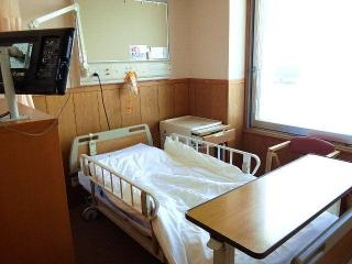 170308_4480 検査入院先の部屋(3人部屋)VGA