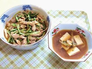 170421_4604 鶏もも肉の棒棒鶏・豆腐とシメジの醤油風味中華スープVGA