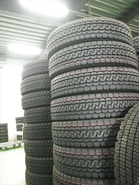 トラック用のタイヤ