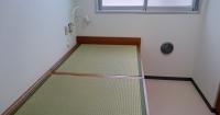 畳敷きのベッド