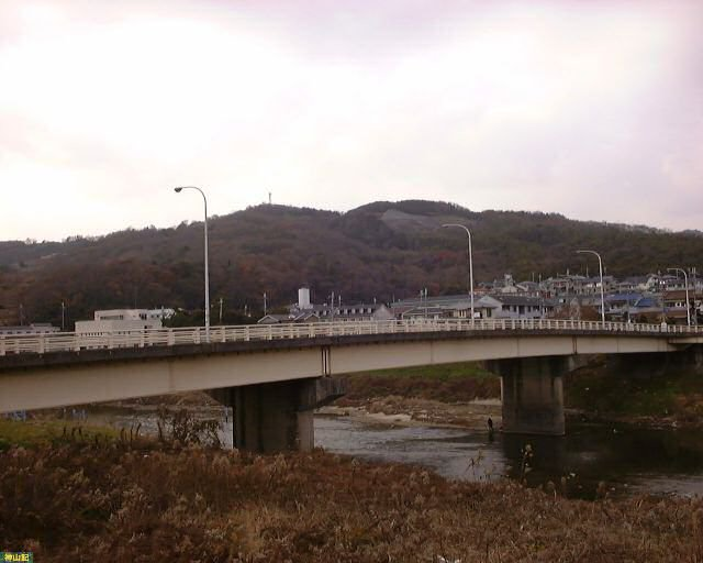 No.2 三室山(みむろやま、奈良県生駒郡三郷町) 137.3m - 神山記