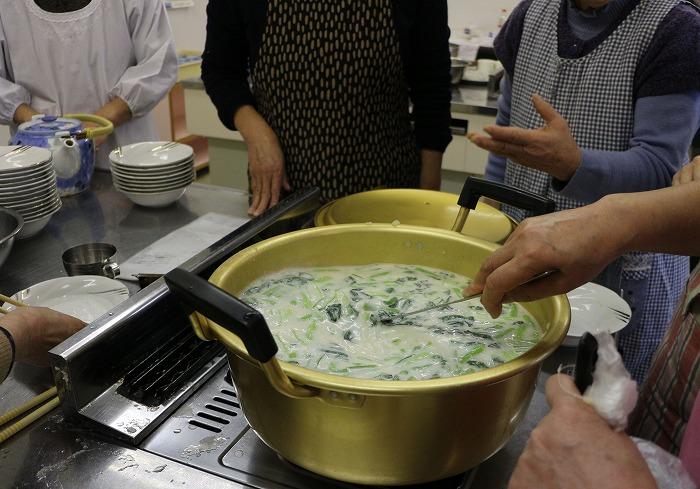 蕪とじゃが芋のとろとろスープ 29.2.11