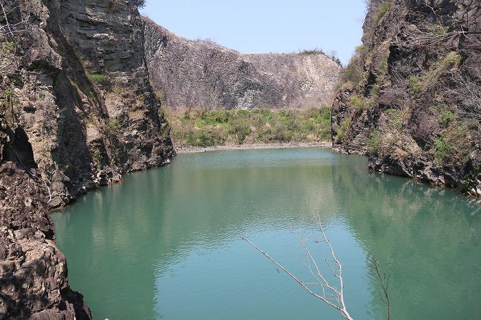 爺神山の小さな池 29.4.4