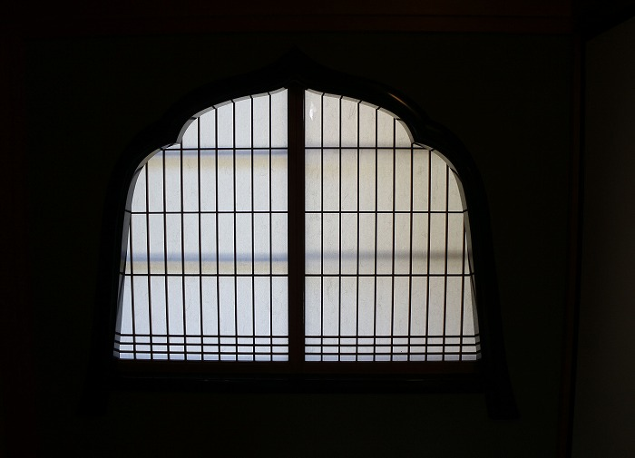智頭宿石谷家 お寺の様な窓 29.4.14