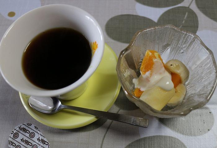 終ったら デザートとコーヒーです 29.4.19