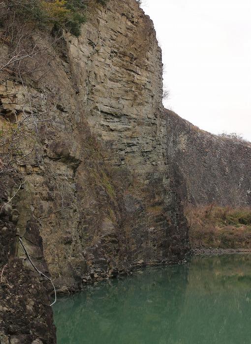 爺神山に 小さい池 29.2.28