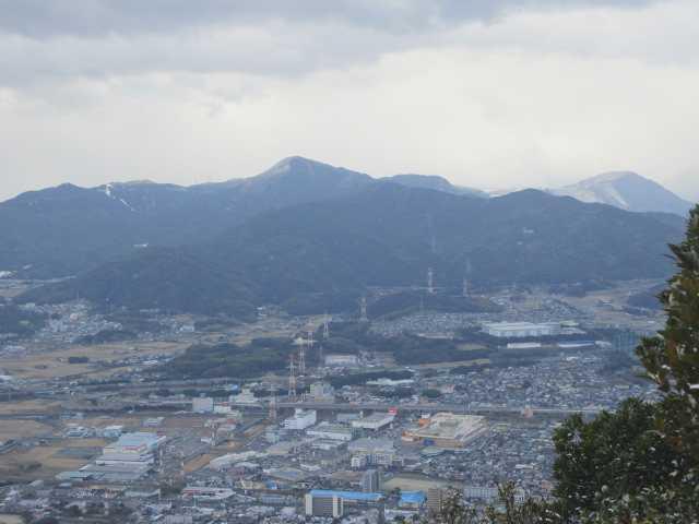 IMG7961JPG展望露岩から小倉市街地と貫山竜ケ鼻