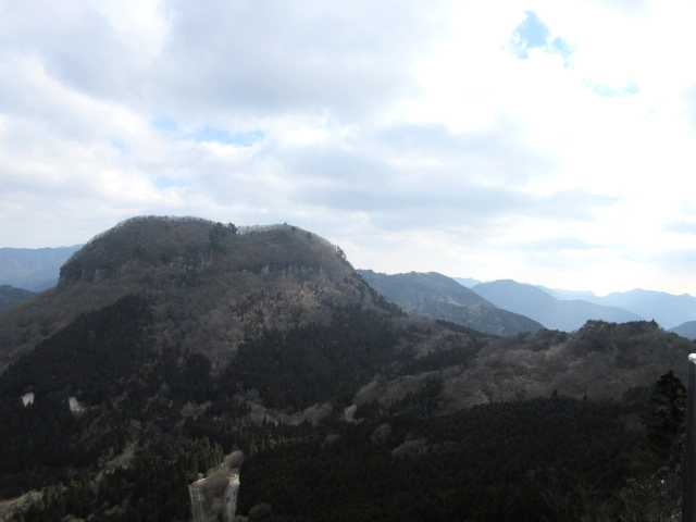 IMG8385JPG鷹の巣山