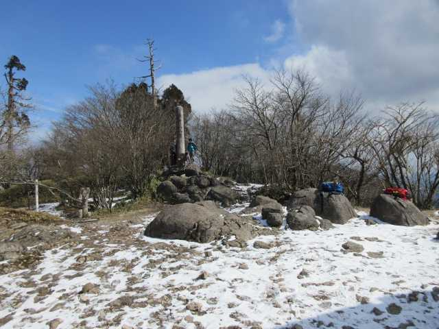 IMG8413JPG中岳山頂
