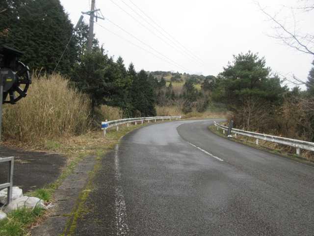 IMG9279JPG車道を150m歩く