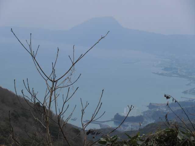 IMG9324JPG西鹿鳴越道展望所より別府湾高崎山