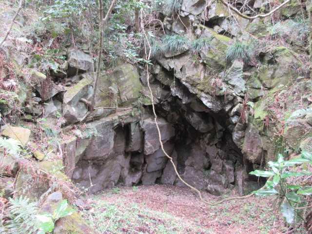 IMG9327JPG石切り場跡