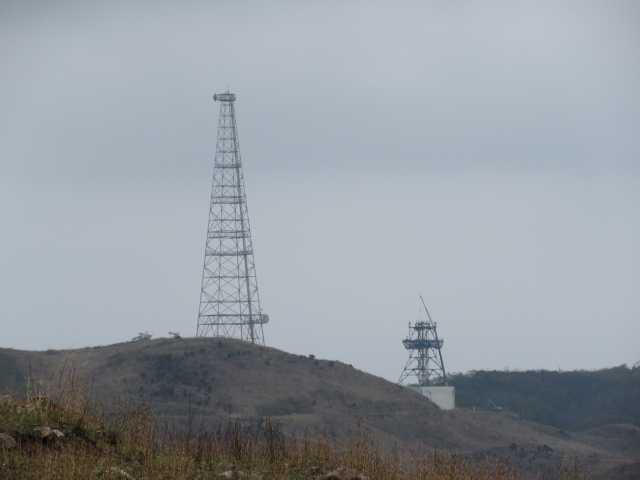IMG9619JPG電波塔が解体されている