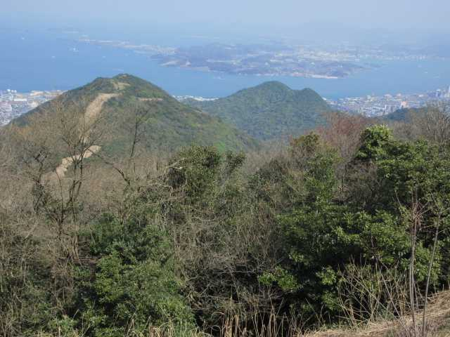 IMG9776JPG小文字山方向奥に陣ケ尾