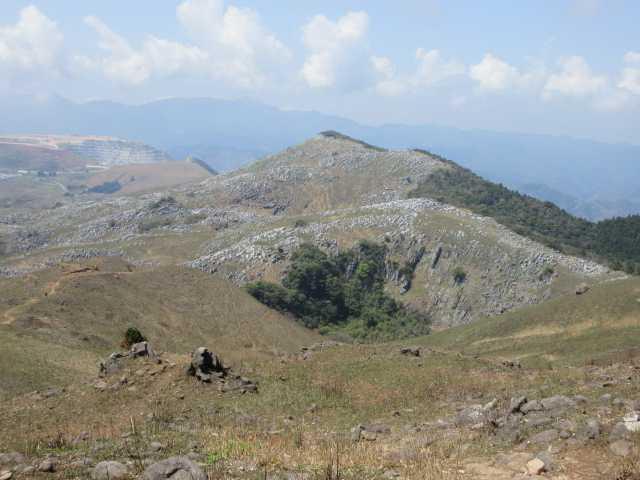 IMG0111JPG小穴と大平山