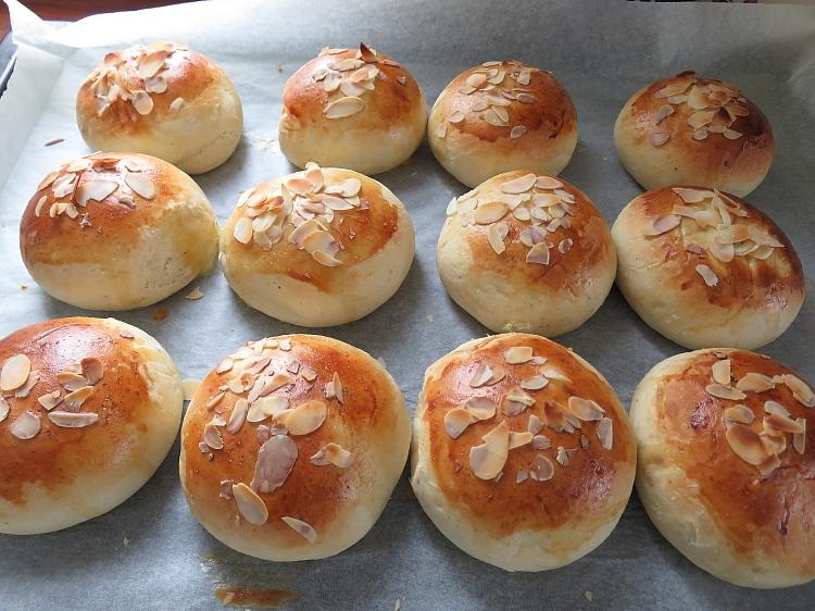 フィンランド 菓子パン プッラ
