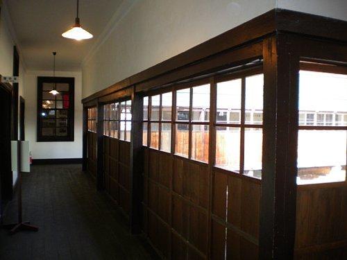 旧南会津郡役所・回廊1
