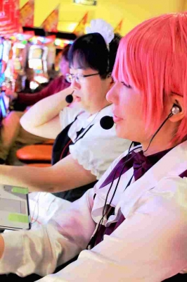 羽猫つばさのコスロットブログ、パーラー東横店様でニコナナ生放送実践