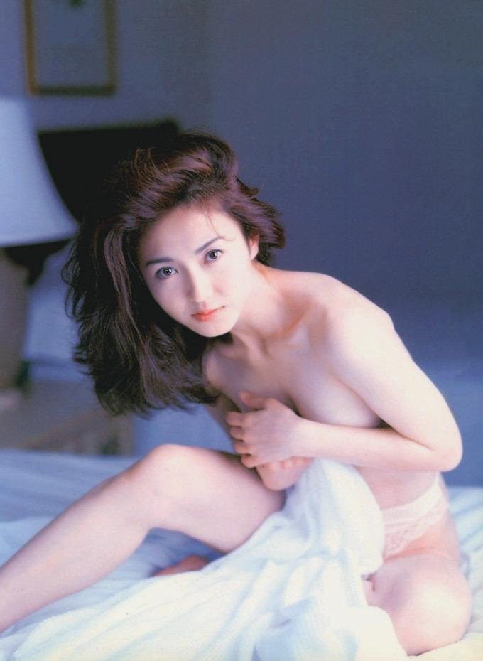 Akiko_Ikuina_12.jpg