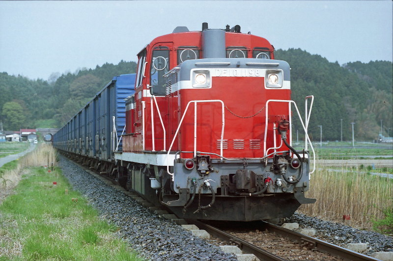 FNO0502_09_DE101198_050429_MAEYACHI_WAKUYA.jpg