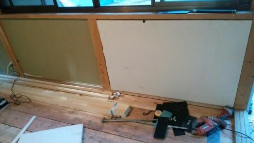 トイレ基礎、壁張り、看板_170418_0009
