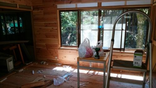 カフェ開業前 内装トイレ看板_170424_0029