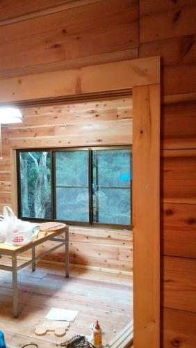 カフェ開業前 内装トイレ看板_170424_0057