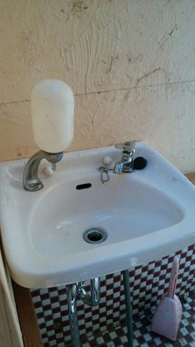 カフェ開業前 内装トイレ看板_170424_0021