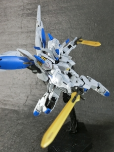 HG-GUNDAM-BAEL-0400.jpg