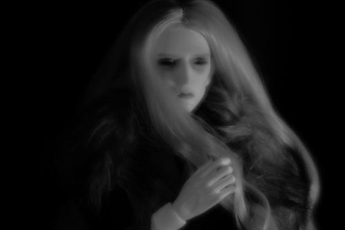 Lomographyのアートレンズ、Daguerreotype Achromatが届いたので、Ring dollのK-Style Bにモデルになって貰いました。