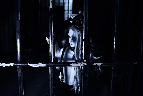 Ring doll、杉苔の空さんにメイクして頂いた、ゾンビヘッド・KaneのKarma。牢獄に囚われている姿の艶めかしさ。